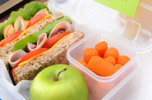 childrens-schoolhouse-montessori-lake-forest-preschool-lunch